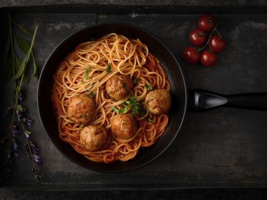 Spaghetti con Polpette della Casa al Pomodoro
